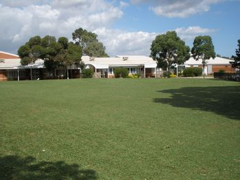 Junior Oval